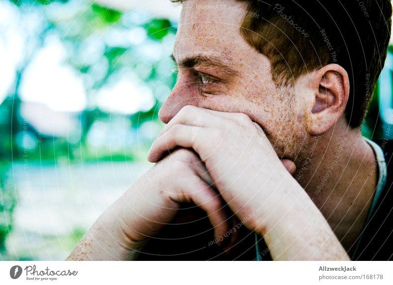 gedankenverloren Mensch Jugendliche Gesicht ruhig Einsamkeit Erholung träumen Kopf Zufriedenheit Erwachsene maskulin Pause beobachten Sehnsucht Gelassenheit