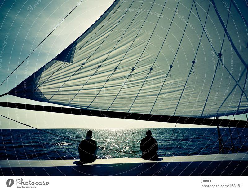 Schweigen Lifestyle Sinnesorgane Erholung ruhig Ferien & Urlaub & Reisen Freiheit Segeln Mensch Mann Erwachsene Paar Partner 2 Wasser Himmel Horizont