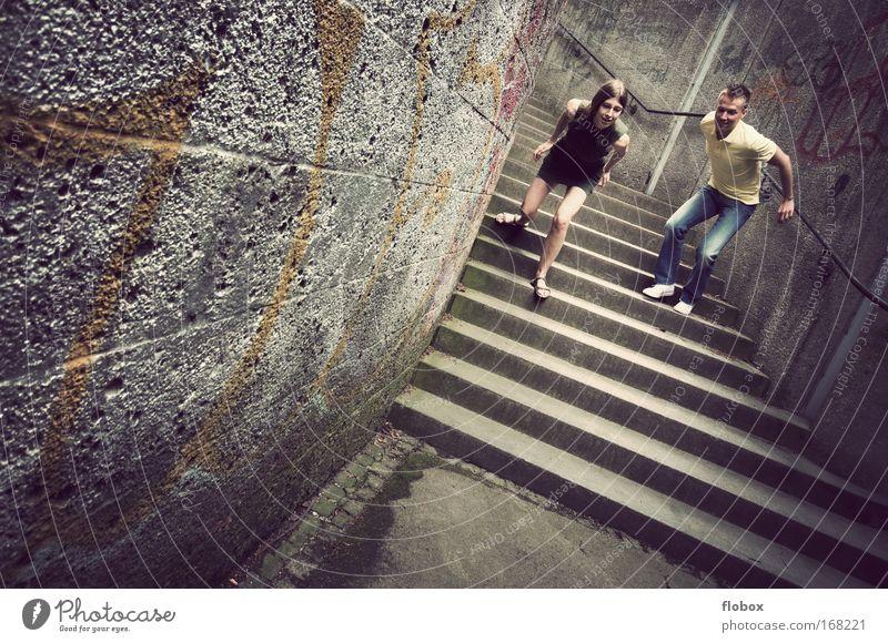 [MUC-09] Lift Off Mann Frau Junge Mädchen fliegen Stunt springen Stuntman Aktivitäten Treppe Sturz Beton Trick Jugendliche Extremsport Funsport gefährlich