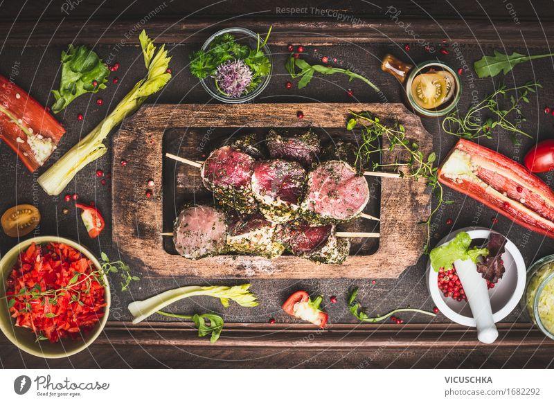 Fleischspieße mit Gemüse fürs Grillen Gesunde Ernährung dunkel Essen Foodfotografie Stil Lebensmittel Party Design Tisch Kochen & Garen & Backen