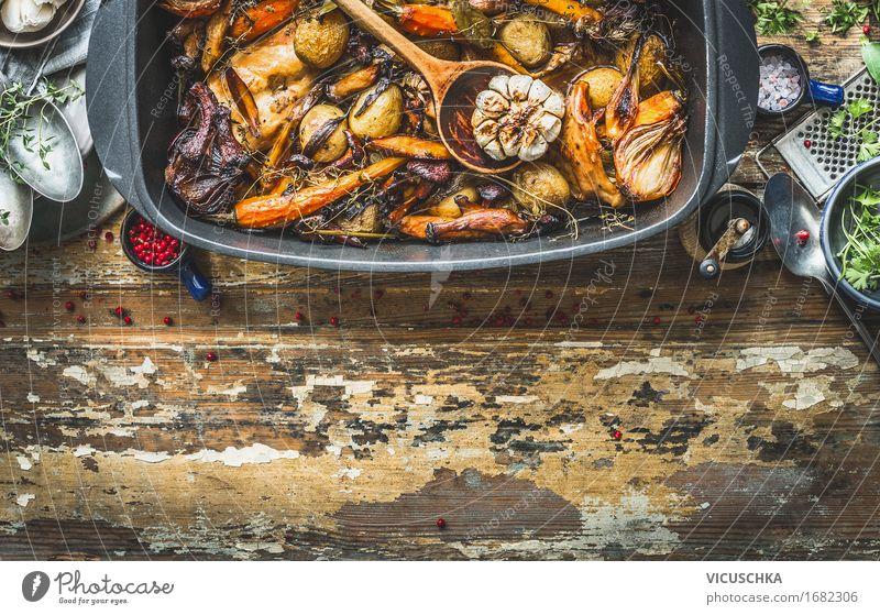 Ragout mit Waldpilzen und Garten Gemüse der Saison Gesunde Ernährung Speise Foodfotografie Stil Lebensmittel Design Häusliches Leben Tisch Kräuter & Gewürze