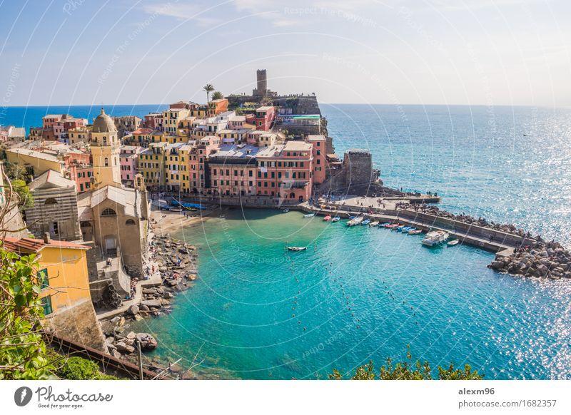Schönes kleines Fischerdorf Vernazza in Cinque Terre / Italien Ferien & Urlaub & Reisen Meer Erholung ruhig Freiheit Schwimmen & Baden Tourismus Zufriedenheit