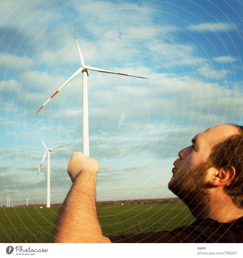 Nachhilfe Mensch Mann Natur Erwachsene Wiese Umwelt Feld Wind wandern maskulin frisch modern Energiewirtschaft Erfolg Klima neu
