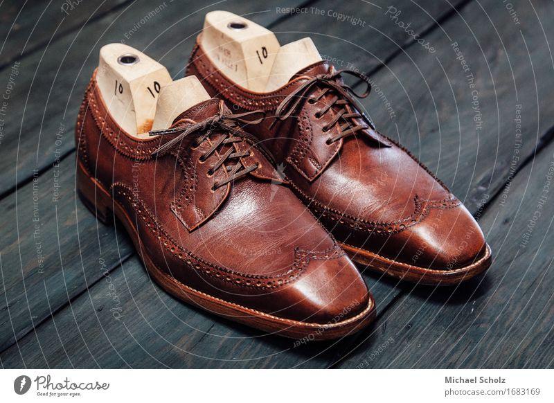 Handgefertigte Schuhe Lifestyle elegant Stil Design Mode Bekleidung Anzug ästhetisch Coolness reich stark braun Los Angeles Foto 31 altehrwürdig