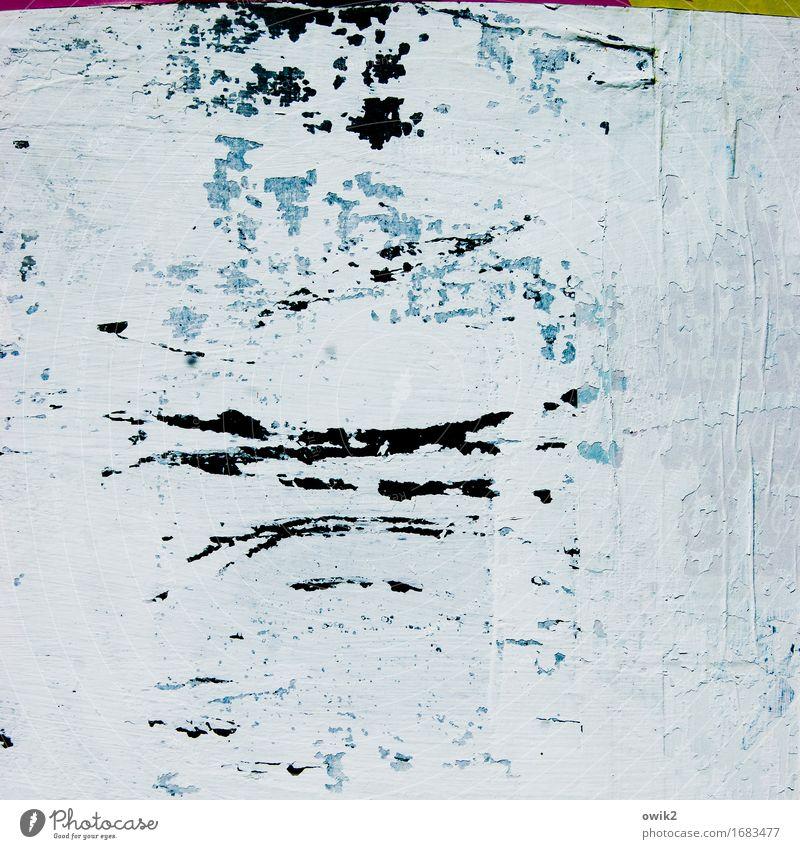 Lento Kunst Kunstwerk Litfaßsäule Rest Spuren wenige alt authentisch klein Originalität trist trocken blau grau schwarz türkis weiß Verfall Vergänglichkeit