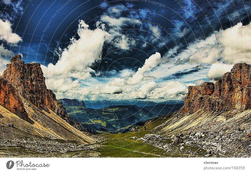 schlern Farbfoto Außenaufnahme Tag Panorama (Aussicht) Blick nach vorn Umwelt Natur Landschaft Felsen Alpen Berge u. Gebirge Gipfel Ferien & Urlaub & Reisen
