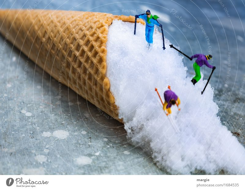 Miniwelten - Abfahrt - Ski Lebensmittel Dessert Speiseeis Süßwaren Ernährung Freizeit & Hobby Ferien & Urlaub & Reisen Winter Schnee Winterurlaub Sport Skier