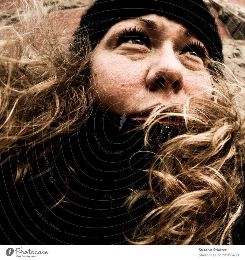 Zukunftsangst Mensch Frau Jugendliche alt 18-30 Jahre Gesicht Erwachsene Auge Herbst feminin Haare & Frisuren Kopf Regen blond Wind genießen