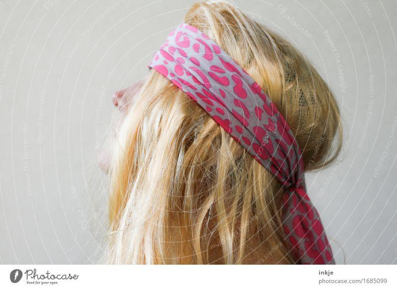 Trashmetal Lifestyle Stil Frau Erwachsene Leben Kopf Haare & Frisuren 1 Mensch Stirnband blond langhaarig trashig verrückt Hippie Metalcore Fan