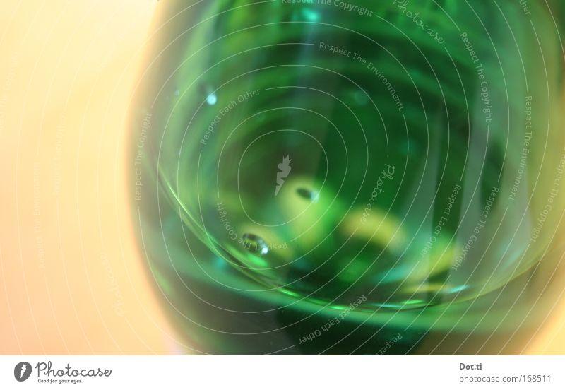Soda Wasser grün kalt Glas frisch Trinkwasser Getränk trinken rund Gastronomie Flüssigkeit Blase Kunststoff durchsichtig Gift Erfrischung