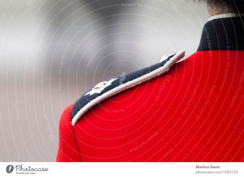 Britische Schulter Mensch rot maskulin Rücken Tradition England London Großbritannien Königlich Uniform