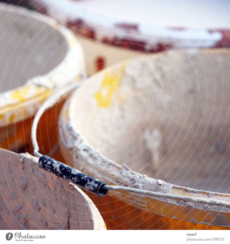 Griff alt gelb dreckig authentisch Wandel & Veränderung Baustelle Umzug (Wohnungswechsel) Kunststoff viele Werkzeug anstrengen Material Renovieren spritzen hässlich Gefäße