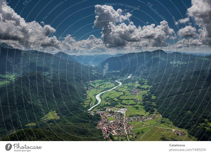 Aus der Luft Freizeit & Hobby Paragliden Sommer Berge u. Gebirge Landschaft Himmel Wolken Schönes Wetter Feld Fluss Soca Kobarid Slovenien fliegen blau grün