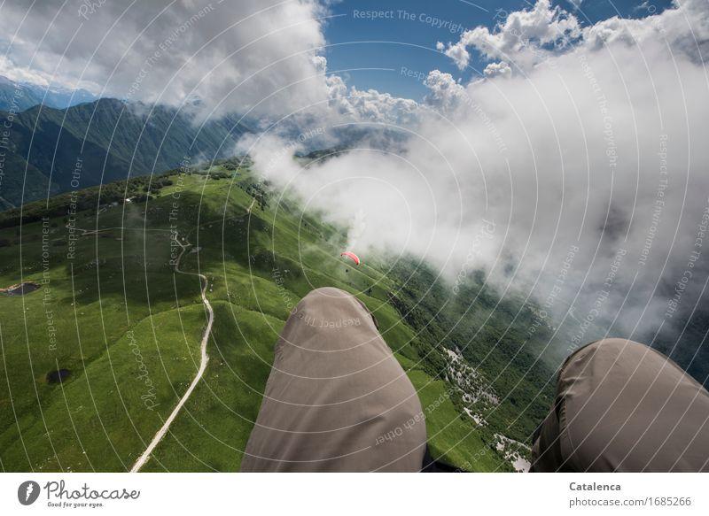 Luftig Himmel Ferien & Urlaub & Reisen blau Sommer grün weiß Landschaft Wolken Freude Berge u. Gebirge Wege & Pfade Wiese Freiheit fliegen braun