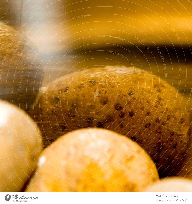 Kartoffeln Farbfoto Innenaufnahme Nahaufnahme Detailaufnahme Makroaufnahme Experiment Muster Strukturen & Formen Textfreiraum oben Kunstlicht Blitzlichtaufnahme