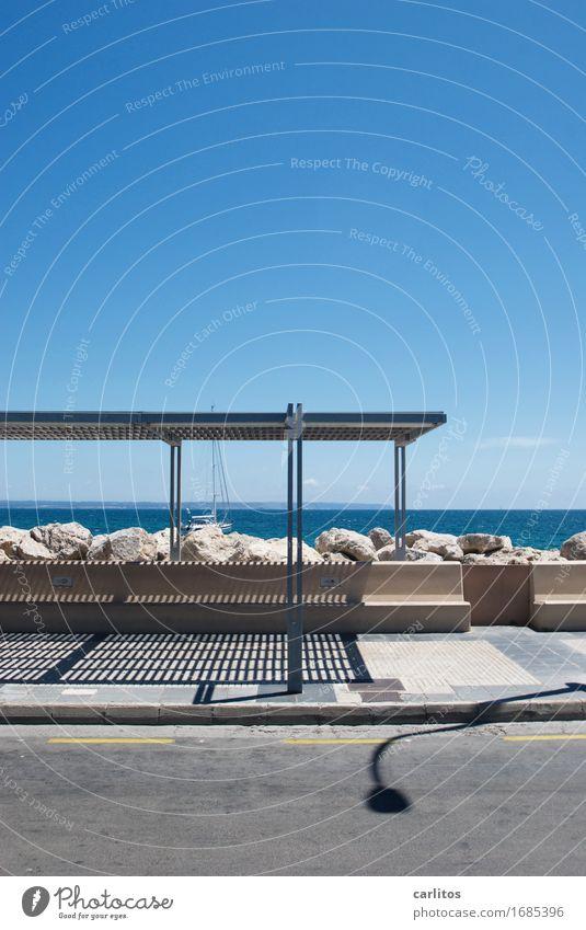 Der Bus kommt ... Mallorca Balearen Spanien Palma de Mallorca Küste Paseo Maritimo Haltestelle Meer transferieren Öffentlicher Personennahverkehr