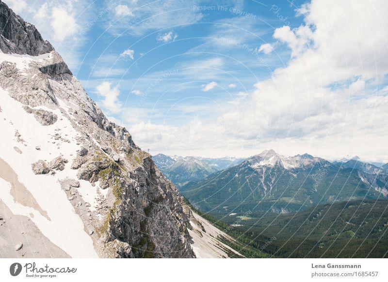 Blick von der Eibseebahn Himmel Natur Landschaft Berge u. Gebirge Umwelt Traurigkeit Sport Felsen Tourismus Horizont Angst wandern Kraft groß Idee Abenteuer