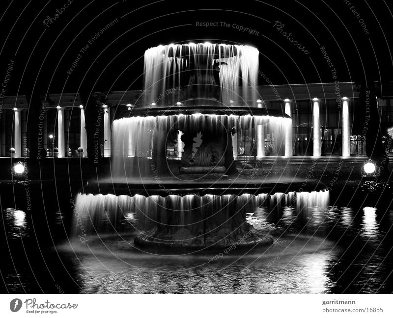 Brunnen Wasser Brunnen obskur