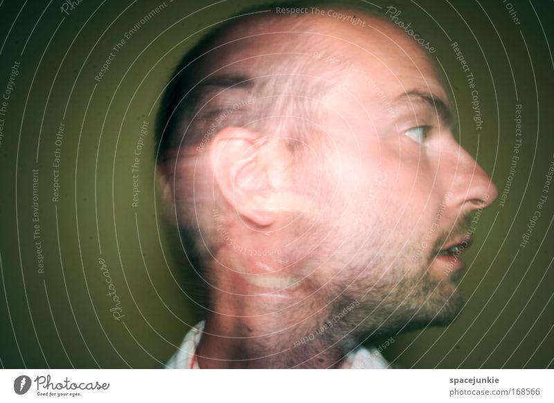 In my head Farbfoto Innenaufnahme Experiment Textfreiraum links Kunstlicht maskulin Mann Erwachsene Gesicht Auge Nase Mund Bart 1 Mensch 30-45 Jahre kurzhaarig