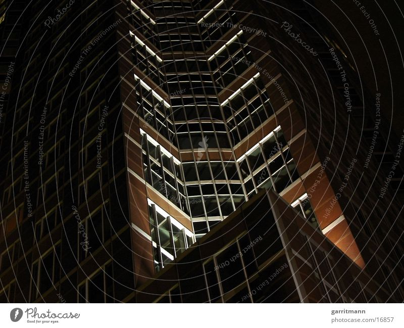 Hochhaus Frankfurt am Main Nacht Langzeitbelichtung Architektur