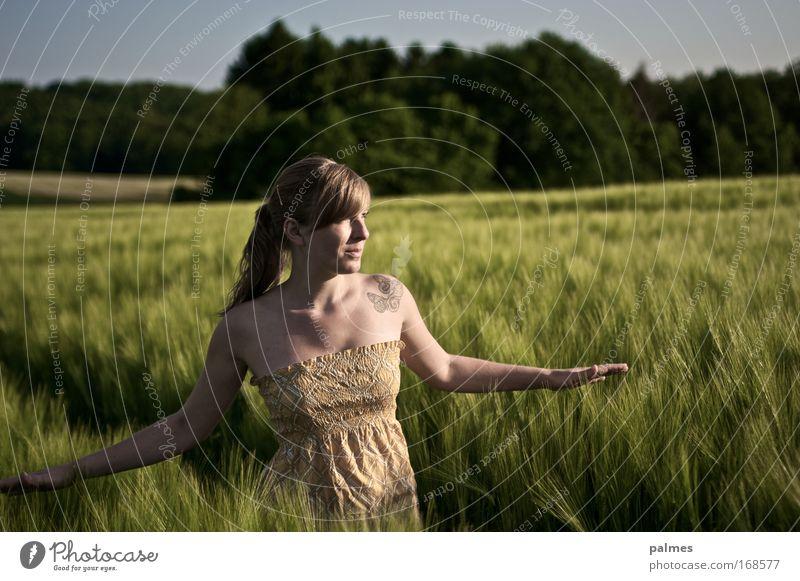 feldgefühle Vol. 1 Mensch Natur Jugendliche Hand Pflanze Sommer Erholung feminin Umwelt Freiheit Landschaft Erwachsene Haare & Frisuren Frühling Denken Feld