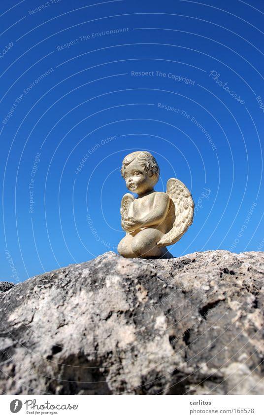 Wenn Engel reisen Himmel blau träumen Kunst warten gold Felsen sitzen ästhetisch Engel Frieden Kitsch Flügel Vertrauen Konzentration Skulptur