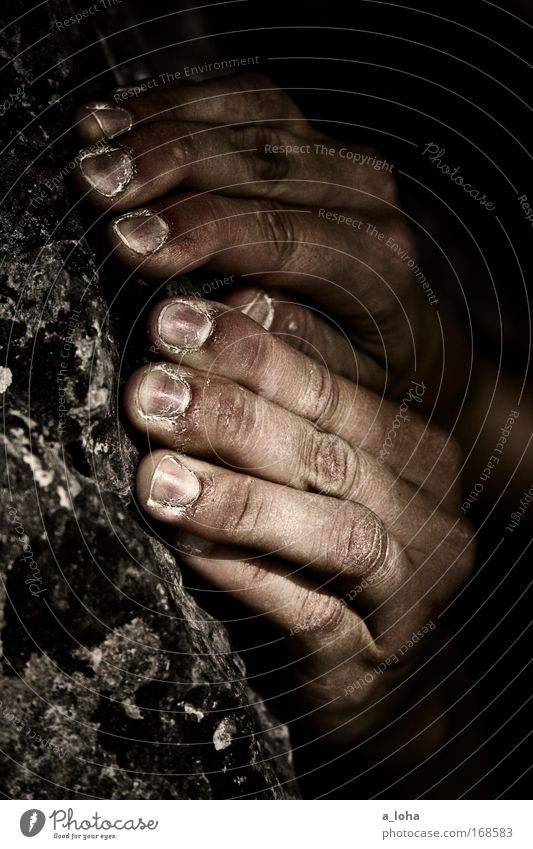 gripstone Lifestyle Glück Maniküre Freizeit & Hobby Expedition Berge u. Gebirge Klettern Bergsteigen Hand Finger Natur Felsen Stein beobachten berühren Bewegung