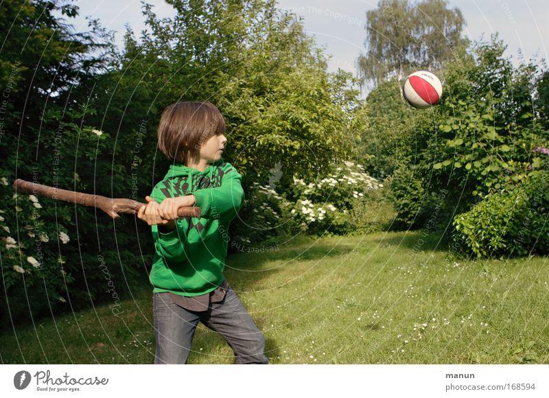 hit the ball! Mensch Kind Natur Jugendliche grün Sommer Leben Sport Spielen Junge Bewegung Garten Frühling Kindheit Gesundheit Freizeit & Hobby