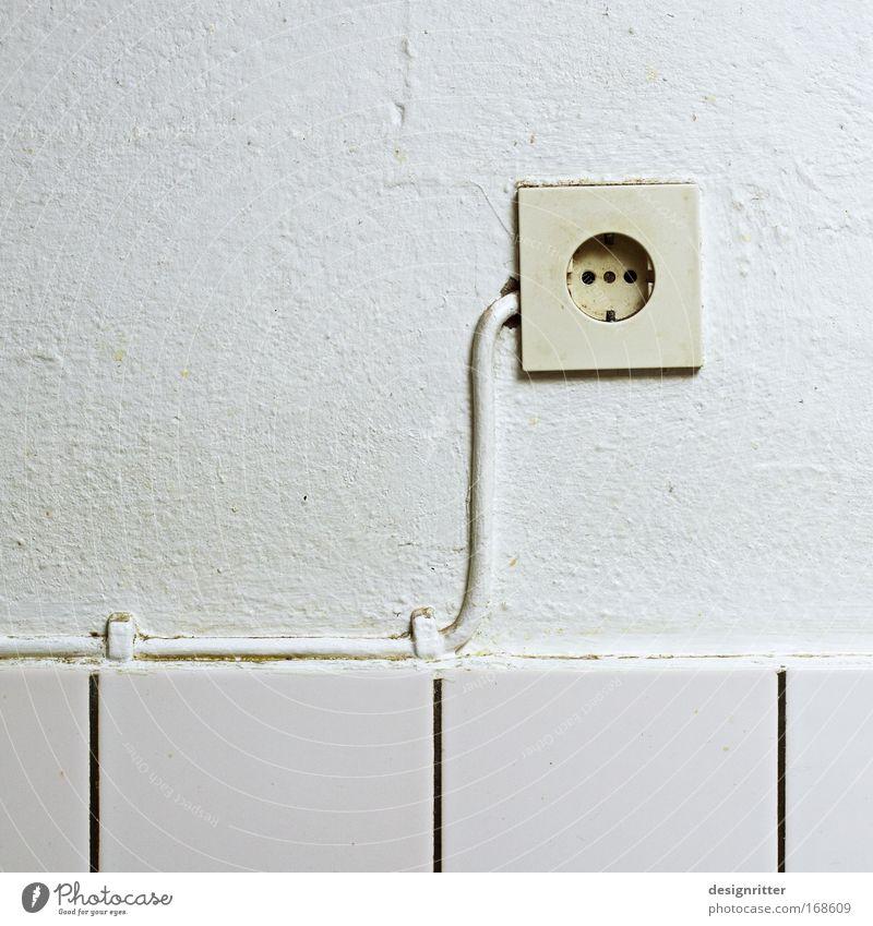 Mama, woher kommt der Strom? Wand Mauer Kunst Wohnung Energiewirtschaft Ordnung Elektrizität Bad Küche Kabel Häusliches Leben Tapete Skulptur Handwerker vertikal