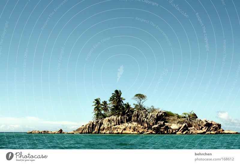 die möglichkeit einer insel Wasser schön Himmel Meer Sommer Strand Ferien & Urlaub & Reisen Ferne Freiheit Glück träumen Stein Zufriedenheit Wellen Küste Felsen