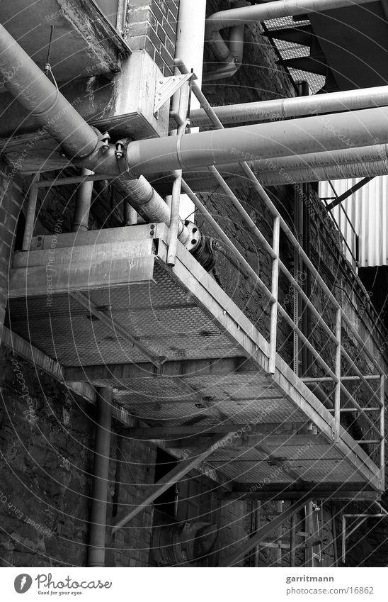 Rohre Industrie Rost Metall Schwarzweißfoto Röhren