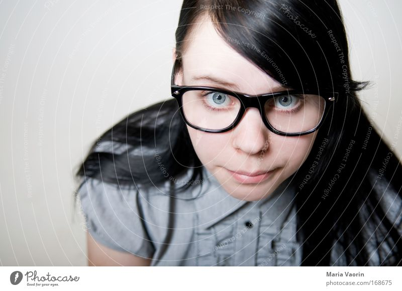 Einserschüler Frau Jugendliche feminin Erwachsene Denken Erfolg lernen Studium Brille niedlich Bildung Neugier Student Schüler 18-30 Jahre Porträt