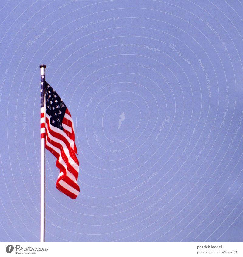 The Star-Spangled Banner Himmel Macht USA Fahne Amerika historisch hängen Stars and Stripes Stolz Politik & Staat wehen Hochmut flattern Wolkenloser Himmel Weltmacht Independence Day