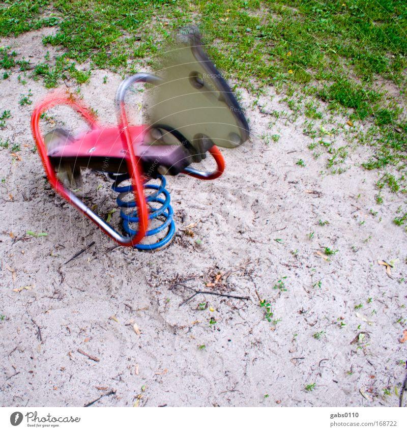 Yihaaa! alt weiß grün blau rot Spielen Bewegung Park frei Erde Geschwindigkeit Pferd Freizeit & Hobby Kindheit Metallfeder