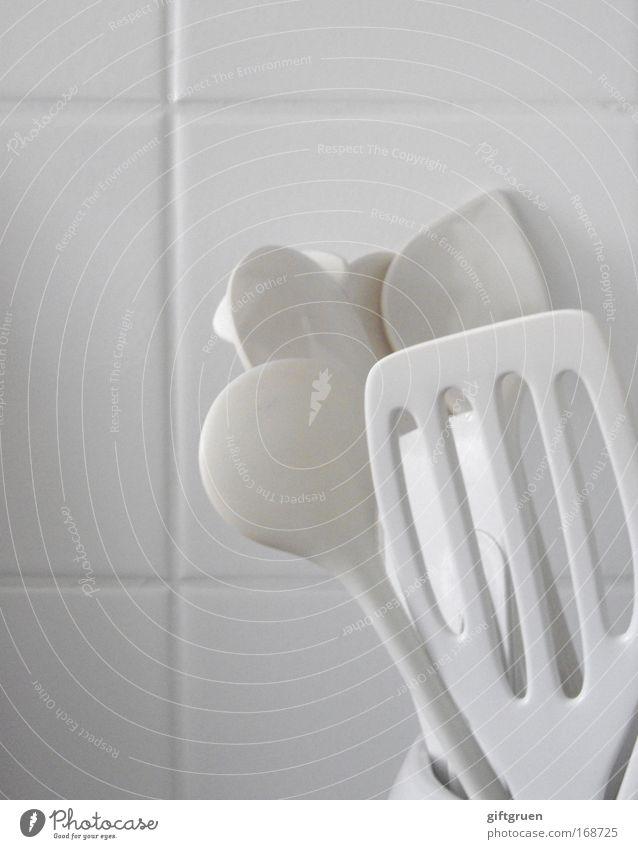 ordnung ist das halbe leben Gedeckte Farben Ernährung Mittagessen Abendessen Geschirr Besteck Löffel Häusliches Leben Wohnung Küche Geschirrspülen Kochlöffel