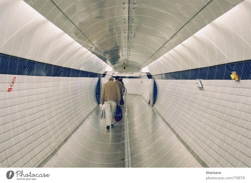 einwegröhre Tunnel London London Underground Unendlichkeit Architektur Flucht