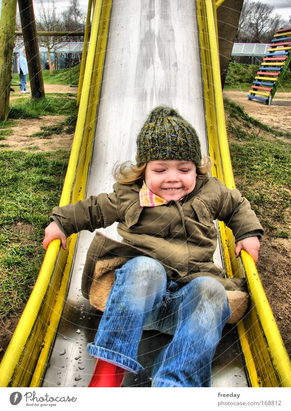 ::: Rutschpartie ::: Kind Natur Hand Mädchen Freude Gesicht Leben Spielen Freiheit Beine Fuß Kindheit Freizeit & Hobby Ausflug Porträt Aktion