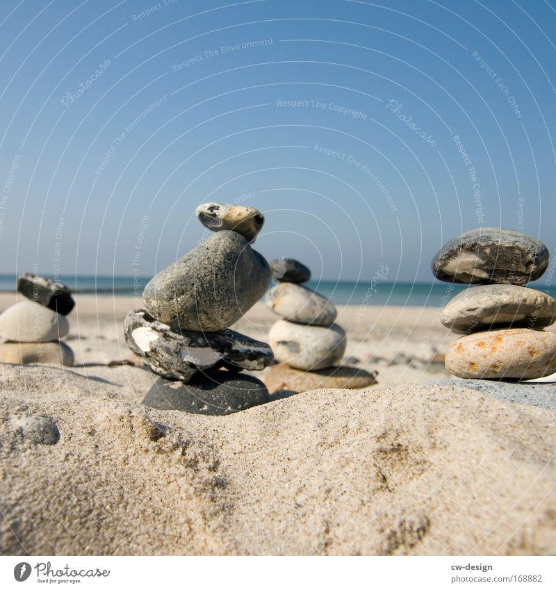 Stonehenge Natur Sommer Strand ruhig Stein Sand Landschaft Kraft Küste England stehen liegen geheimnisvoll Gelassenheit Bauwerk Meer