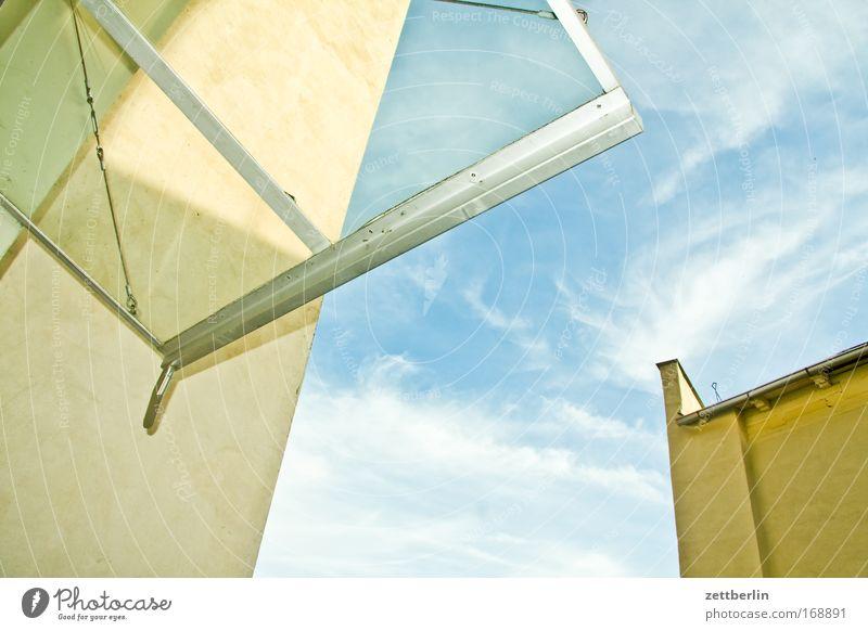 Vordach Sachsen-Anhalt aschersleben Deutschland Gemäuer Himmel Mauer Mittelalter Sommer Wolken Dach Glasdach Fensterscheibe Scheibe Froschperspektive