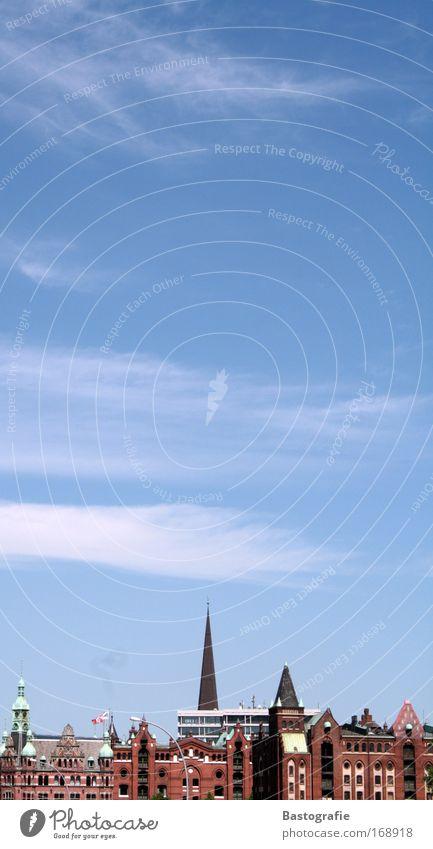 moin moin...grüße aus hamburg Farbfoto Außenaufnahme Menschenleer Textfreiraum oben Tag Haus Kultur Himmel Wolken Sonnenlicht Wetter Schönes Wetter Hafenstadt