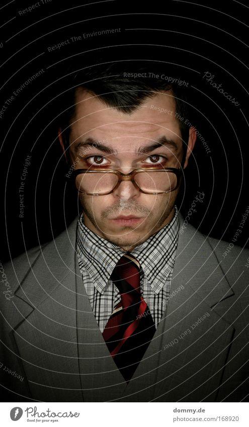 hello Farbfoto Gedeckte Farben Studioaufnahme Kunstlicht Zentralperspektive Porträt Blick Blick in die Kamera Blick nach vorn Mensch maskulin Mann Erwachsene