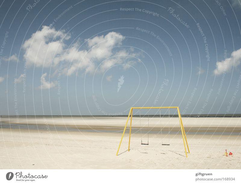 ein tag am meer Himmel blau Sommer Freude Strand Ferien & Urlaub & Reisen Wolken Einsamkeit gelb Spielen Sand Landschaft Küste Horizont Ausflug