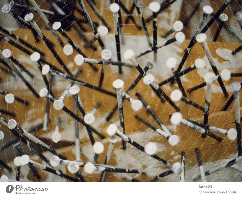 nägel wirr Farbe weiß Farbstoff Holz Metall Dinge chaotisch Nagel