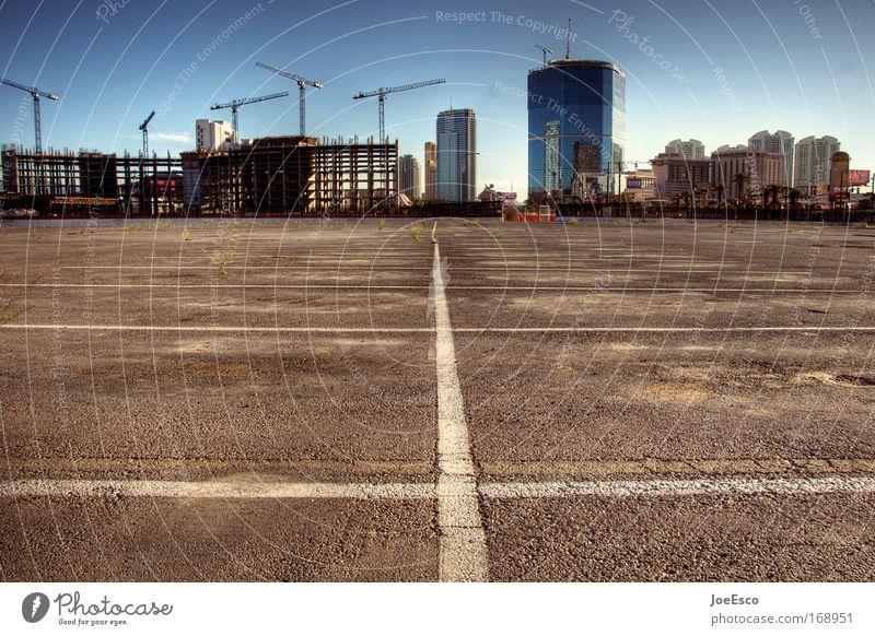 morgens halb 7 in las vegas... Farbfoto Außenaufnahme Menschenleer Morgen Sonnenlicht Totale Tourismus Städtereise Baustelle Industrie Unternehmen Las Vegas