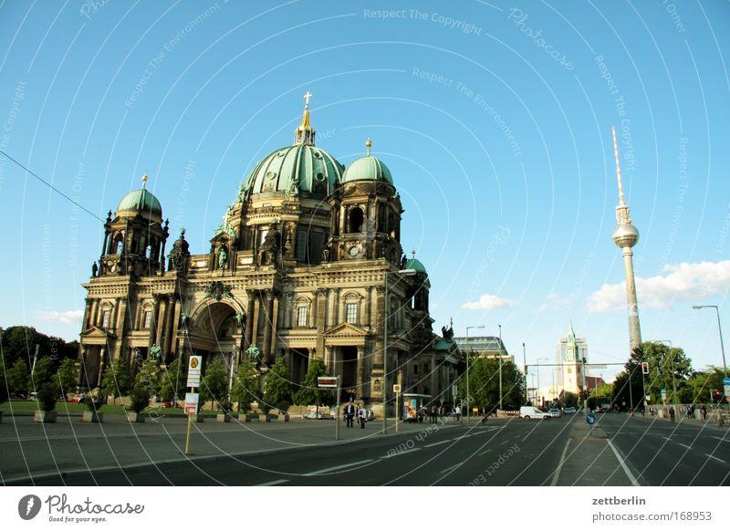 Zentrum Ost Himmel Sommer Straße Berlin Deutschland Straßenverkehr Kirche Tourismus Mitte Stadtzentrum Dom Berliner Fernsehturm Hauptstadt Blauer Himmel