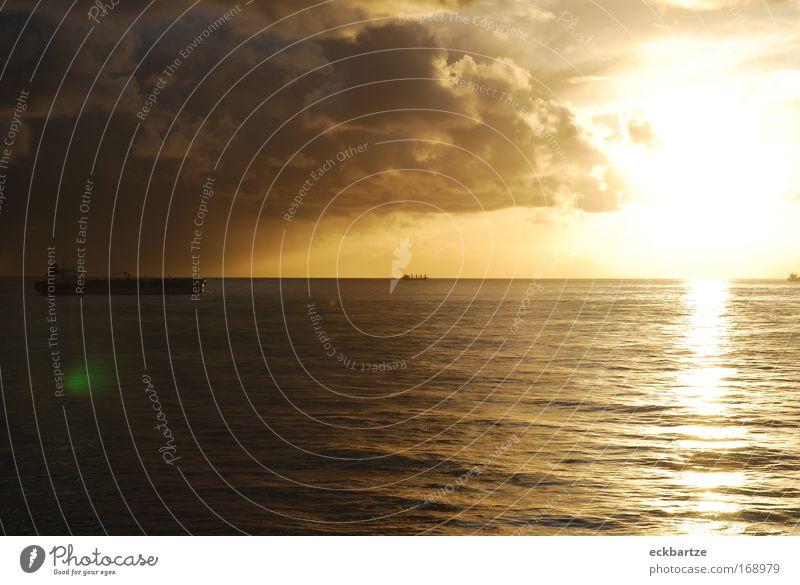 Biskaya Farbfoto Außenaufnahme Menschenleer Textfreiraum rechts Textfreiraum oben Textfreiraum unten Abend Licht Silhouette Sonnenlicht Sonnenstrahlen