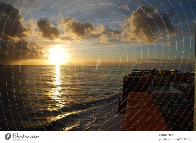 Alianca Maua ruhig Freiheit groß Wasserfahrzeug Sonnenuntergang Schifffahrt Container Containerschiff An Bord