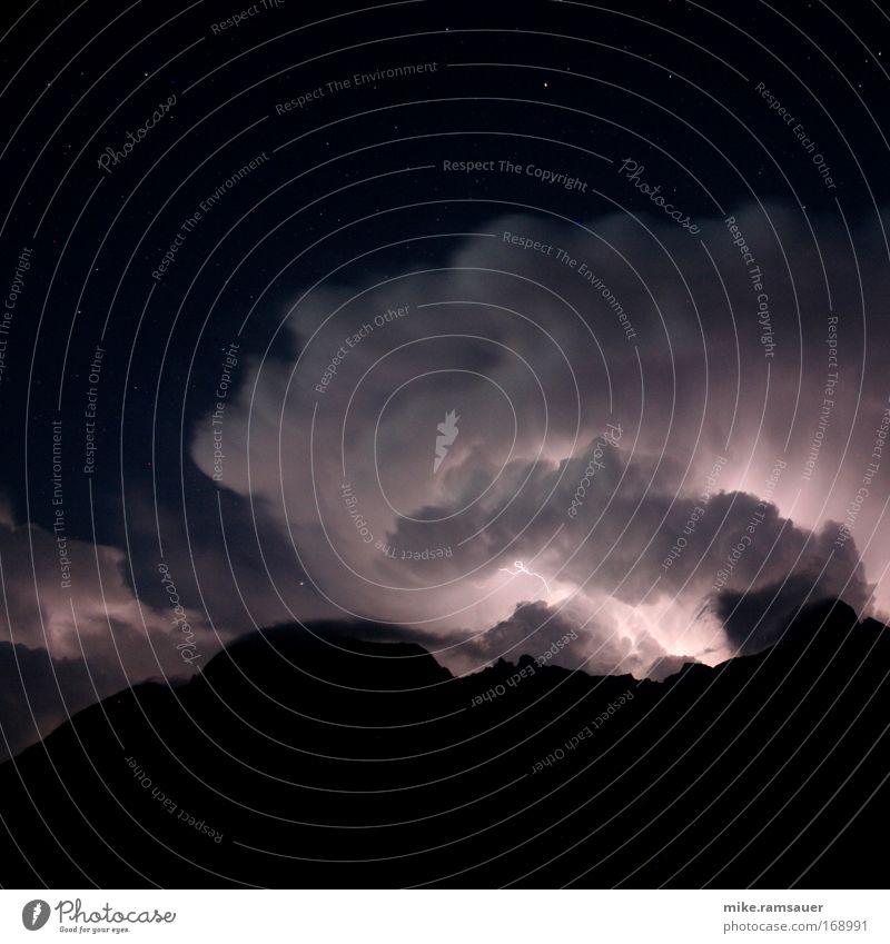 Flash did fire schwarz Berge u. Gebirge Sicherheit Schutz Nachthimmel heiß Sturm Blitze stark Gewitter Urelemente Gewitterwolken