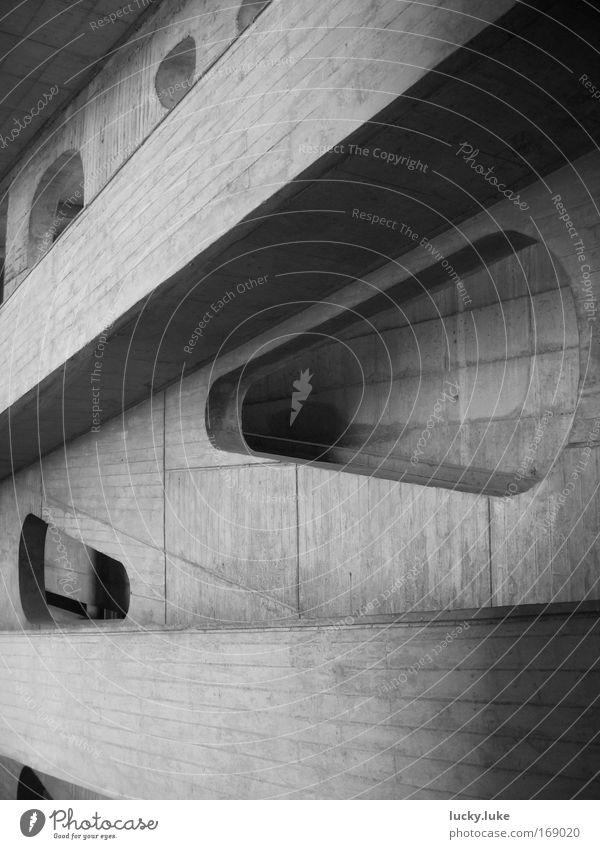Rampen im Licht Stadt Haus Ferne Wand grau Mauer Gebäude Kraft Architektur Design Beton Perspektive modern ästhetisch authentisch