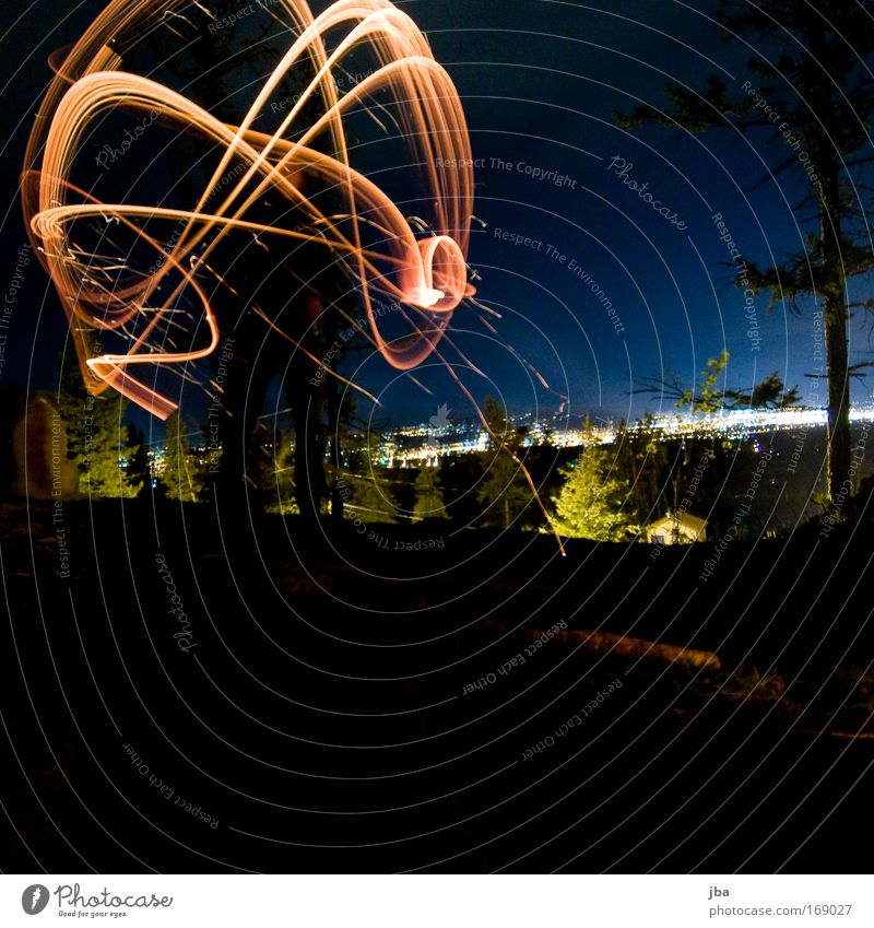 mit Feuer spielen 2 Ferien & Urlaub & Reisen blau Beleuchtung Bewegung Holz Feste & Feiern Freiheit Horizont leuchten elegant ästhetisch rund Gemälde zeichnen